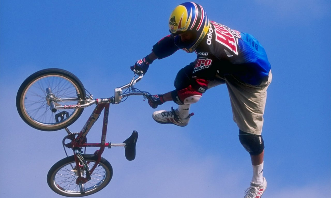 Highlights of BMX rider 'Miracle Boy' Dave Mirra's X Games career – video