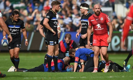 Jamie Roberts of Bath is treated for concussion