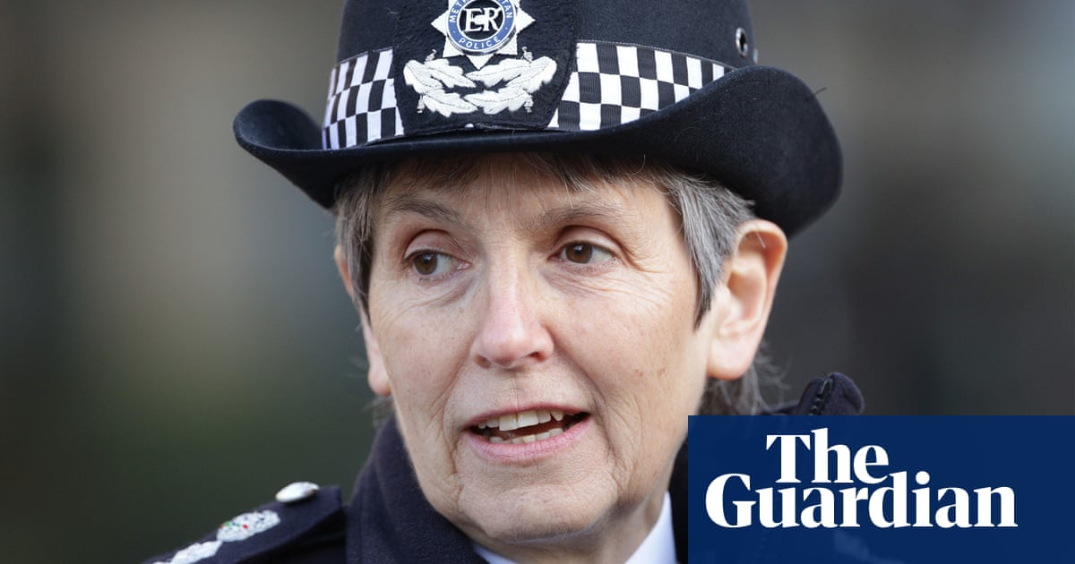 Cressida Dick to remain Met chief until 2024, ministers announce