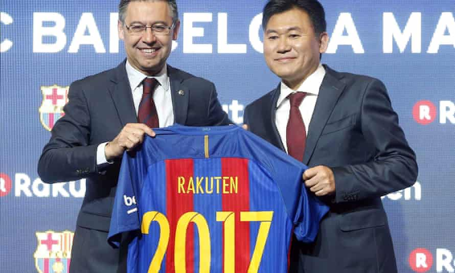 Barcelona president Josep Maria Bartomeu, left, and Hiroshi Mikitani, co-founder and CEO of Rakuten, at the announcement of the Spanish club's new shirt sponsorship deal