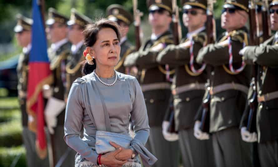 Aung San Suu Kyi visits Prague.