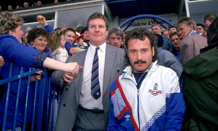 Oldham manager Joe Royle (centre) celebrates their promotion in 1991.