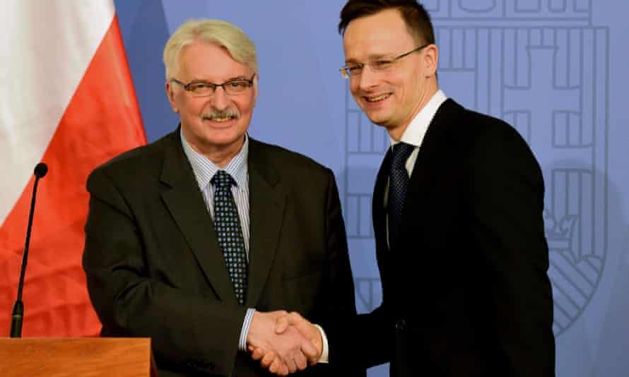 Polish foreign minister Witold Waszczykowski (left) and Hungary's Péter Szijjártó in Budapest on 3 February.