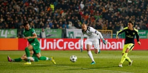 And Ozil slots home a brilliant late goal.