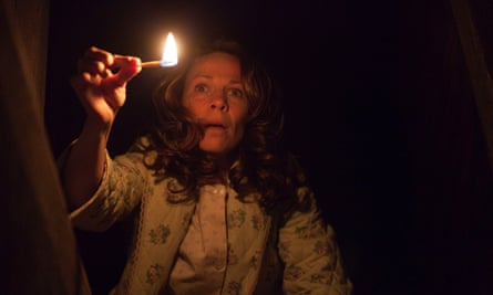 Lili Taylor in The Conjuring.