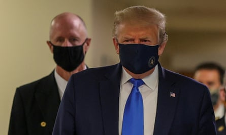 Donald Trump in face mask