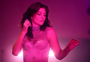 Lorde of the dance makes her comeback