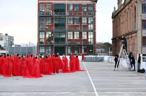 Spencer Tunick instructs participants to pose.