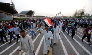 Supporters of Moqtadr al-Sadr leave the green zone