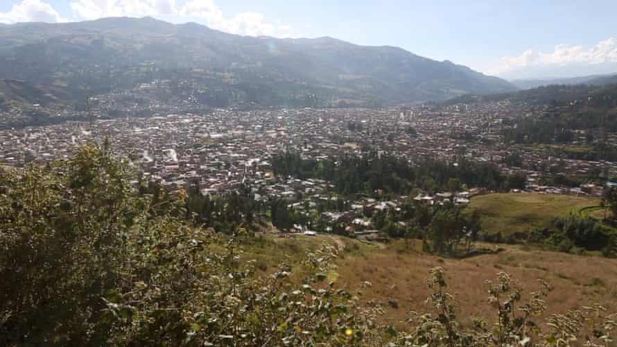 Peru glaciers : overview of Huaraz