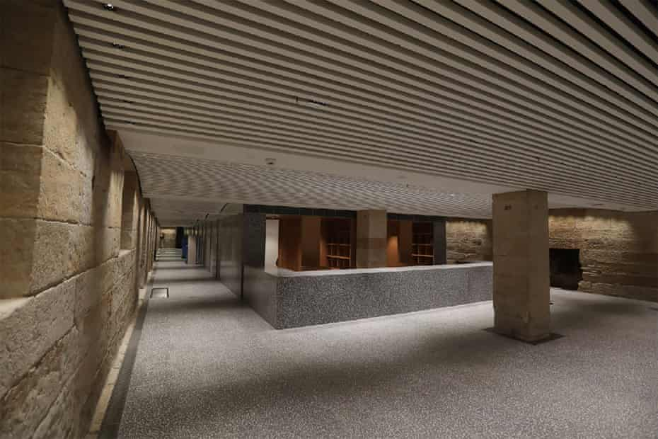 Convict-crafted sandstone was discovered and restored in the new cloakroom at the Australian Museum.