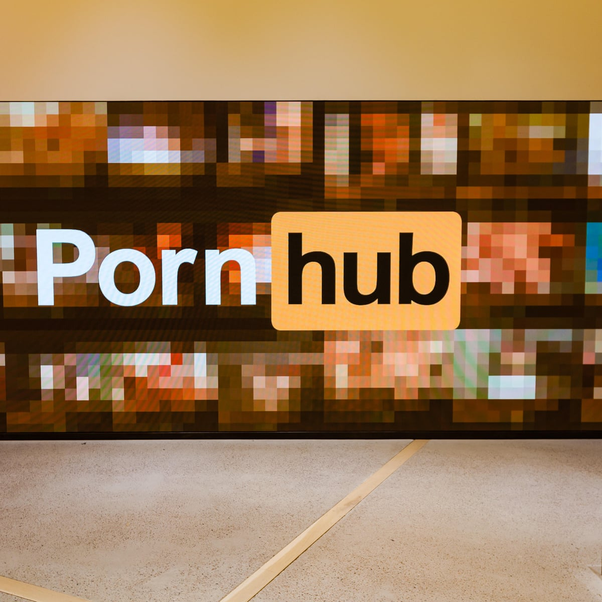 Application Porn pornhub should forget the coronavirus and focus on its own