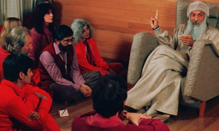 The guru in Burnt Sugar resembles Bhagwan Shree Rajneesh, here instructing disciples in Oregon in the 1980s.