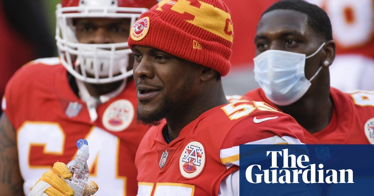 Kansas City Chiefs' Frank Clark arrested after police see submachine gun in car