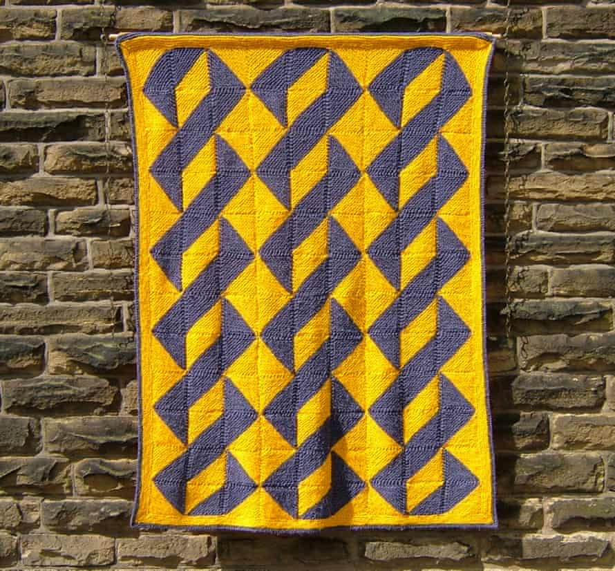 About Turn: half-and-half diagonally knitted squares.