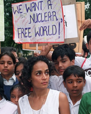 Arundhati Roy leads an anti-nuclear march in 1998.