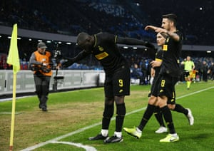 Romelu Lukaku celebrates after scoring Inter's second goal during the 3-1 win over Napoli.