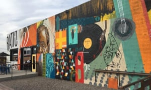 Colourful, mural exterior of Ratio Beer Works, Denver.