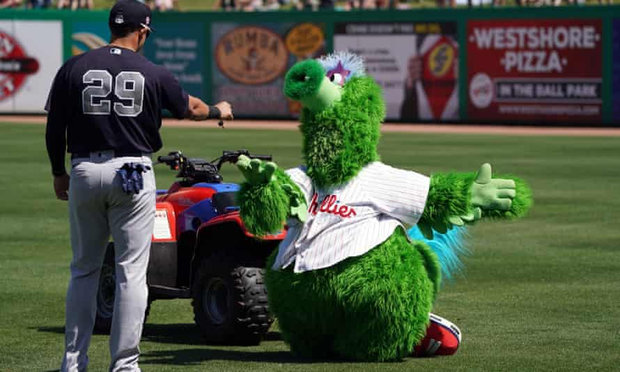 The Phillie Phanatic gets into a spot of bother at MLB spring training.