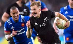Damian McKenzie scored the subsequent try.