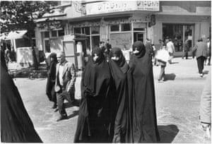 Women in central Tehran