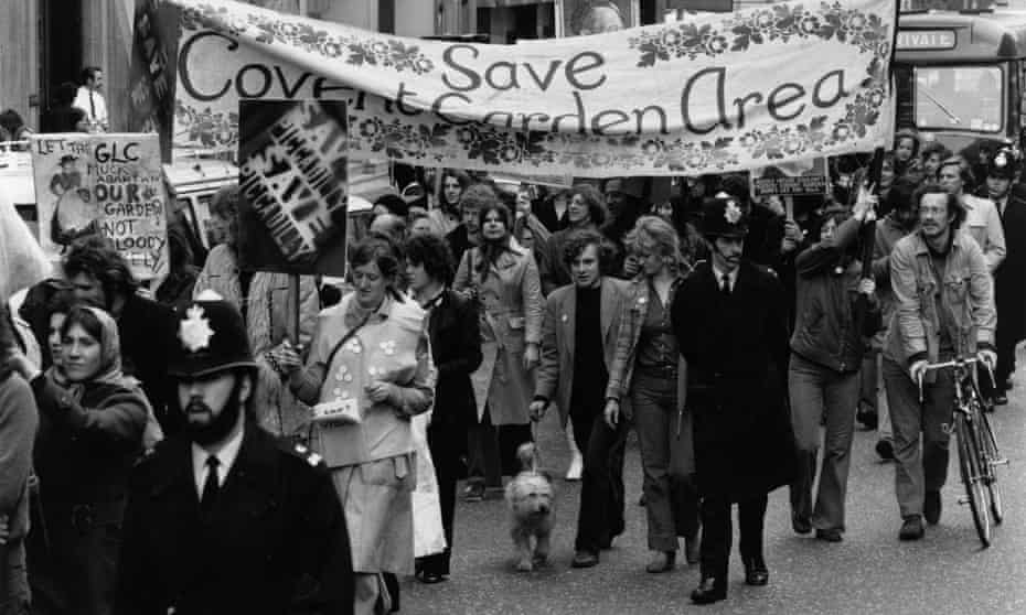 Protesters marching in 1972 against the proposed closure of Covent Garden and its relocation to Nine Elms.