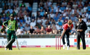 Tom Curran sees things off with the final over.