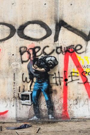 A Banksy mural of Steve Jobs.