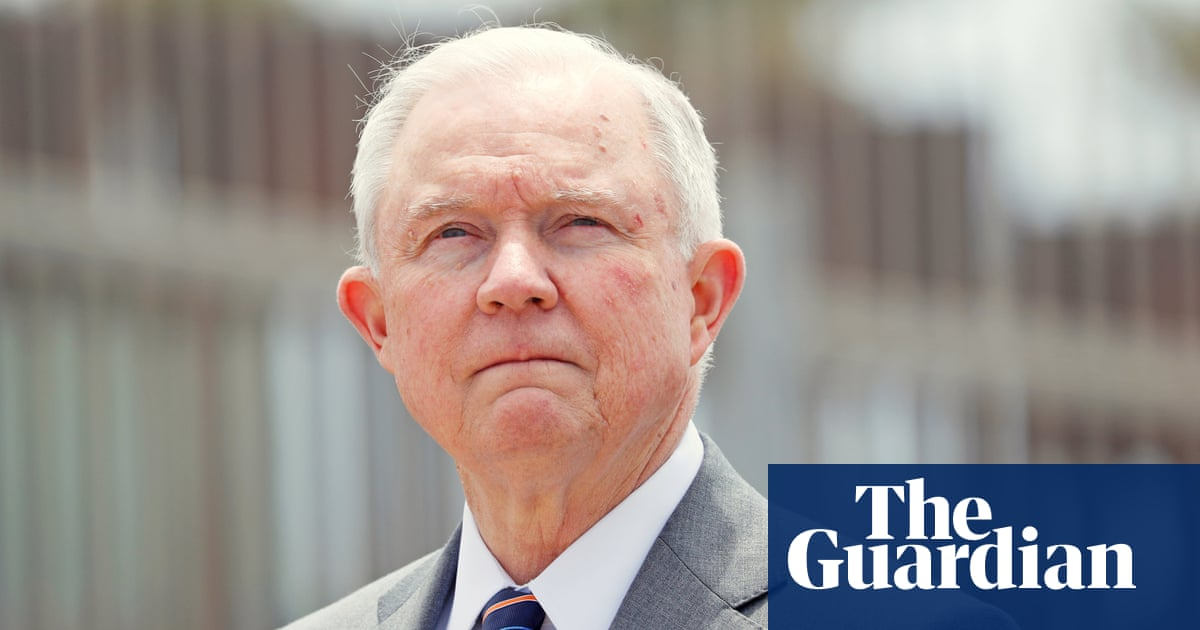 Houston restaurant faces boycott after saying it was an 'honor' to serve Jeff Sessions – Trending Stuff