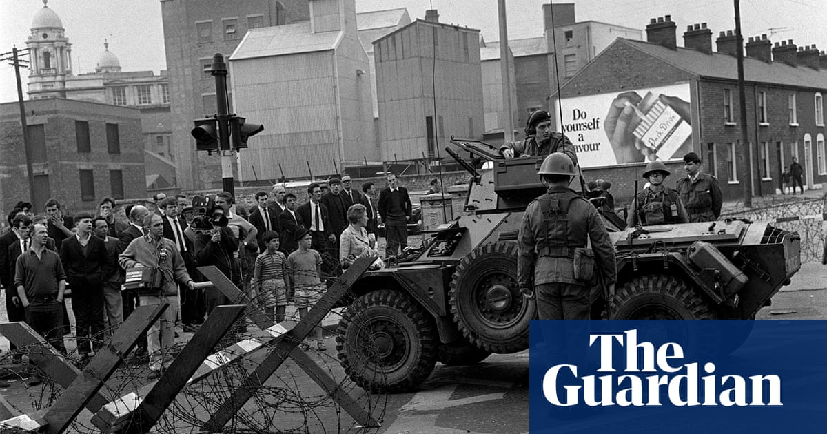Report condemns RUC for firing on Belfast flats in 1969, killing four people