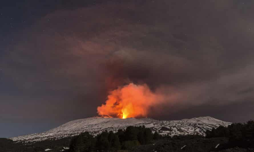 Etna in the early hours of Thursday.