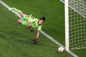 Vanina Correa saves the penalty from Nikita Parris.