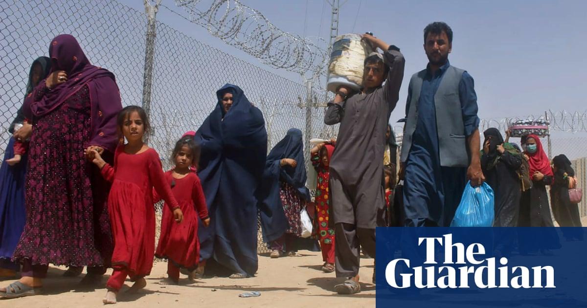 'Unprecedented' numbers crossing from Afghanistan to Pakistan