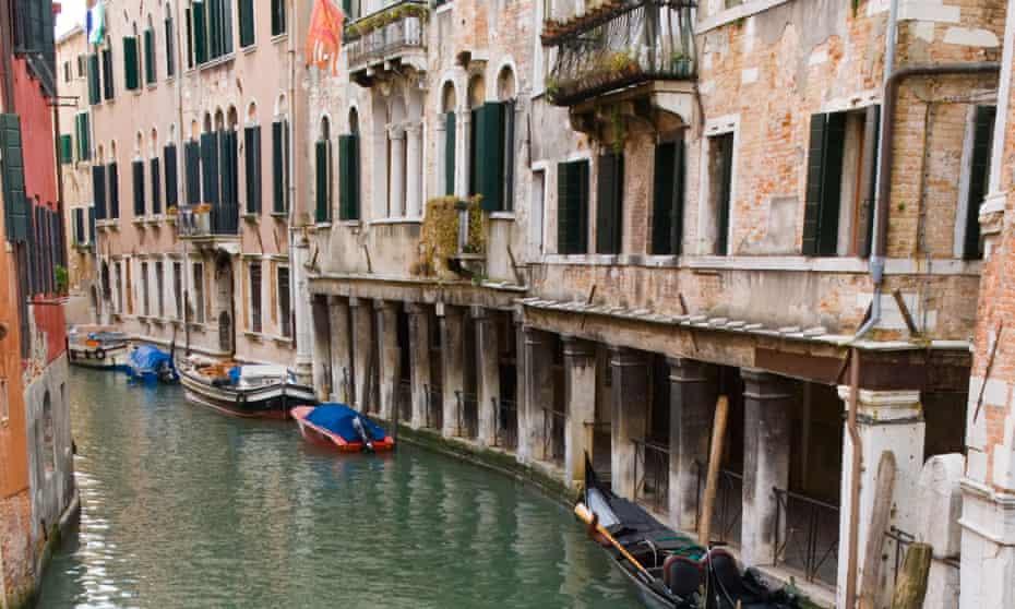 Sinking sprits ... gondolas in Venice.