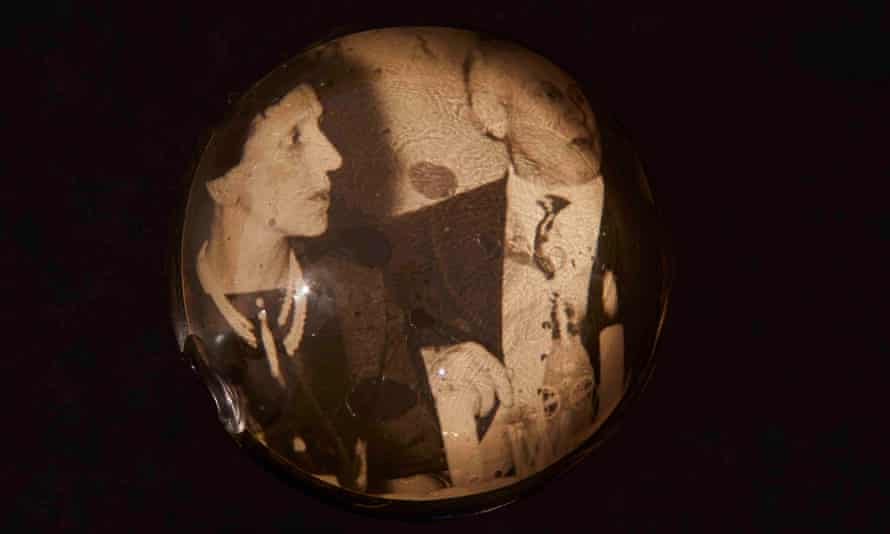 Lilli Heinemann's grandparents in a paperweight kept beside her mother's bed