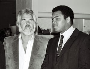 Kenny Rogers and Muhammad Ali in October 1981
