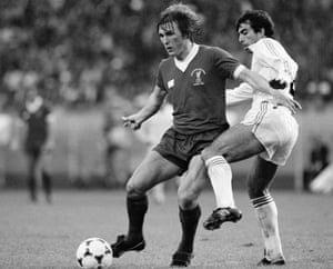 Liverpool's Kenny Dalglish had been a doubt as he had not trained for several weeks but did make the starting line-up