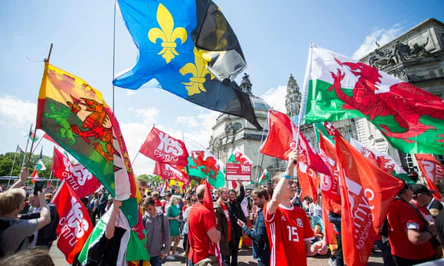 Independence campaigners in Cardiff
