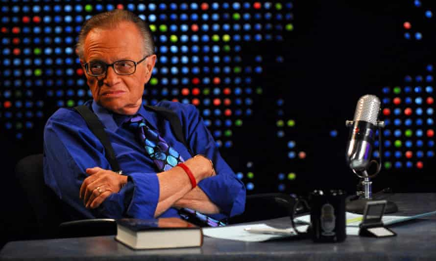 Larry King on the set of Larry King Live, 2007.