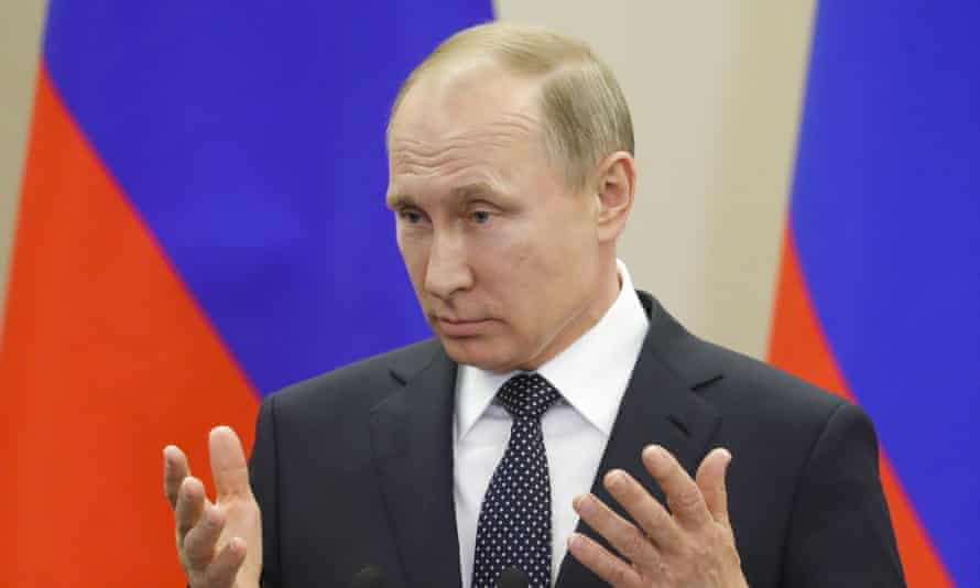Vladimir Putin discussed a diplomatic resolution to Syria's civil war in a phone conversation with Donald Trump, the White House says.