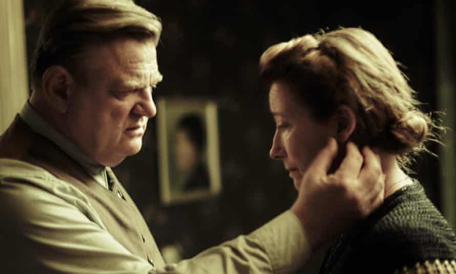 Brendan Gleeson and Emma Thompson as Otto and Anna Quangel in the film of Alone in Berlin