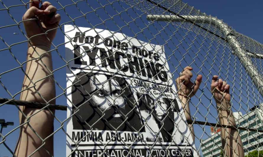 Demonstrators supporting Mumia Abu-Jamal in Los Angeles, California, in 2000.