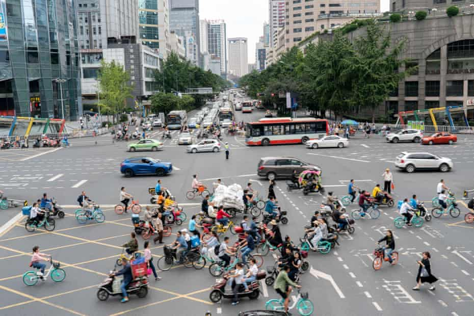 Rush hour in the centre of Chengdu, home to the Early Rain Covenant Church, which has just been closed.