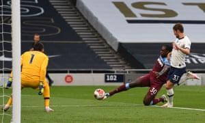 West Ham United's Michail Antonio shoots.