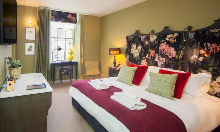 One of the King's Arms 20 refurbished bedrooms
