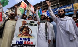Protesters against Asia Bibi's acquittal