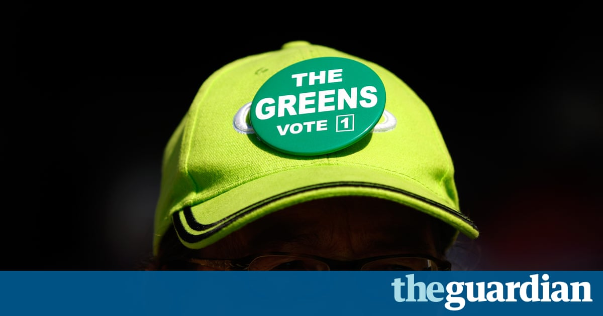 189fbc07682 A group of Victorian Greens members has emerged demanding change to the  capitalist neoliberal economic model and criticising the party s electoral  focus on ...
