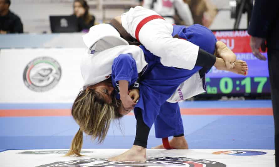 Jiu-jitsu in action