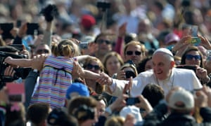 pope francis crowd