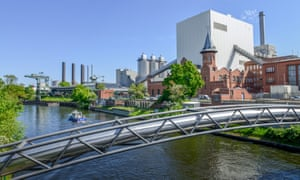 Heizkraftwerk Moabit, Friedrich-Krause-Ufer, Moabit, Berlin, Germany. (Photo by: Bildagentur-online/Universal Images Group via Getty Images)